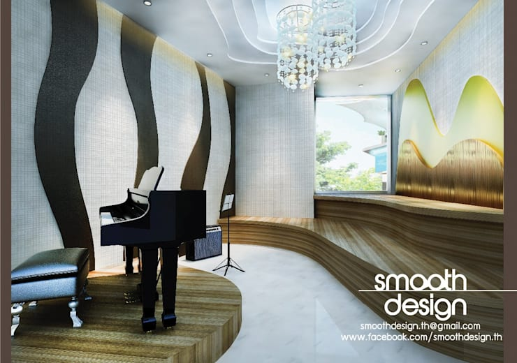 Center Stage Studio:   by Smoothdesign