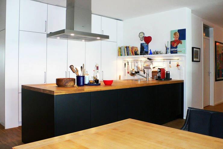 Küchenblock:  Küche von Schädlich Möbeldesign GmbH & Co. KG