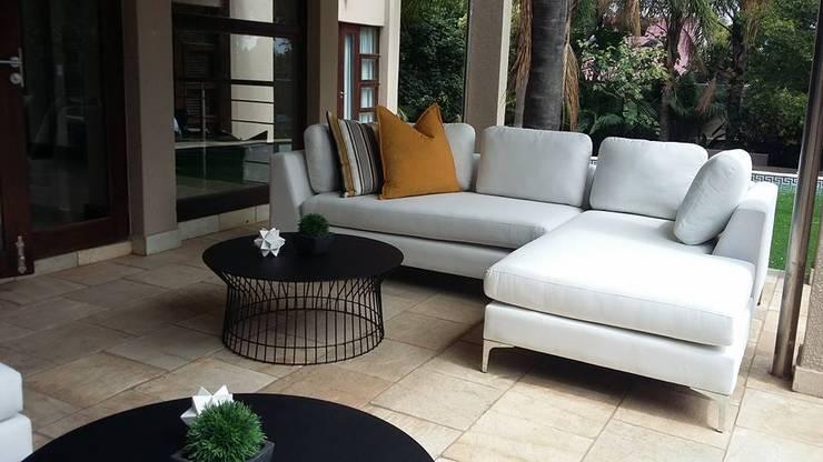 Morningside Residence:  Balconies, verandas & terraces  by CKW Lifestyle