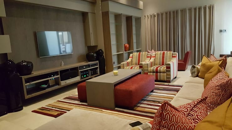 Morningside Residence:  Media room by CKW Lifestyle