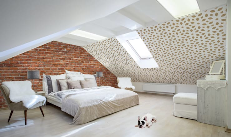 Bricks and Mosaic:  Bedroom by Pixers