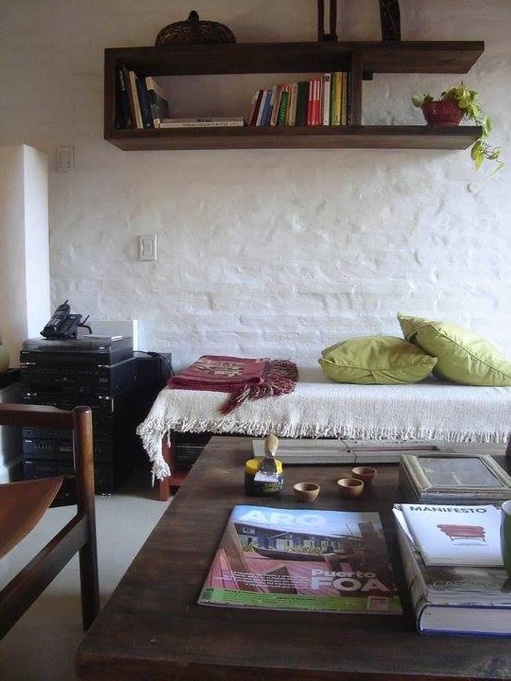 espacios interiores de viviendas: Livings de estilo  por 253 ARQUITECTURA,