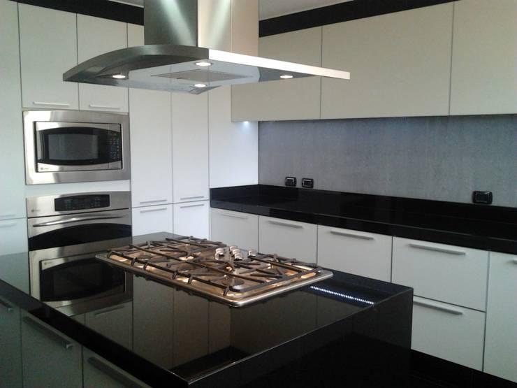 Módulos de cocina de estilo  de J.H. Novoart E.I.R.L.