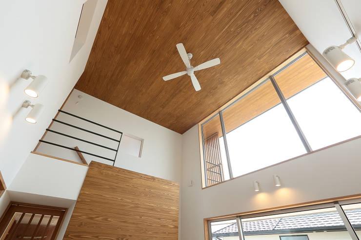 Cửa sổ by TEKTON | テクトン建築設計事務所