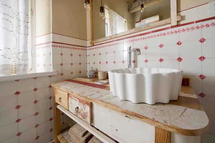Bagno Stile Romantico : Come arredare un bagno shabby chic esempi e ispirazioni