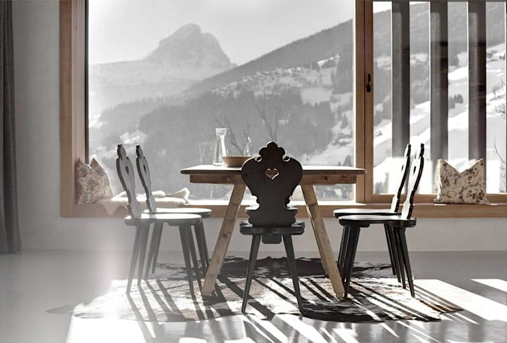 Dining with a view:  Dining room by Spacio Collections,Rustic Wood Wood effect