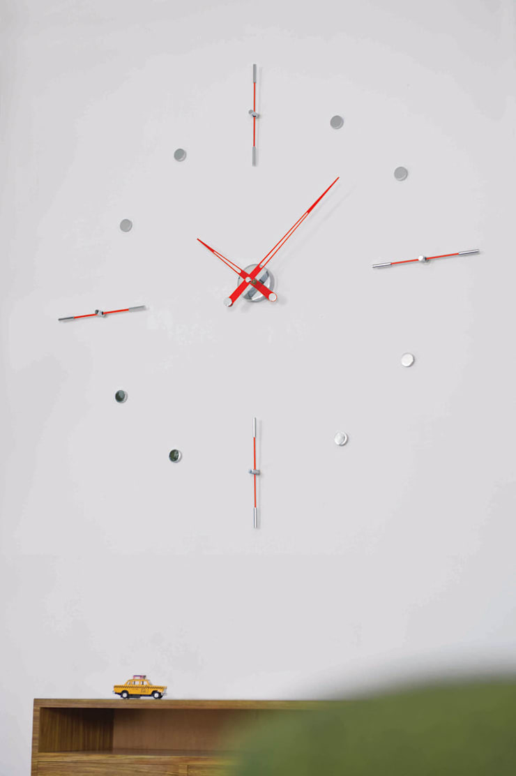 Nomon Mixto I - Red Lacquered Wall Clock:  Living room by Just For Clocks