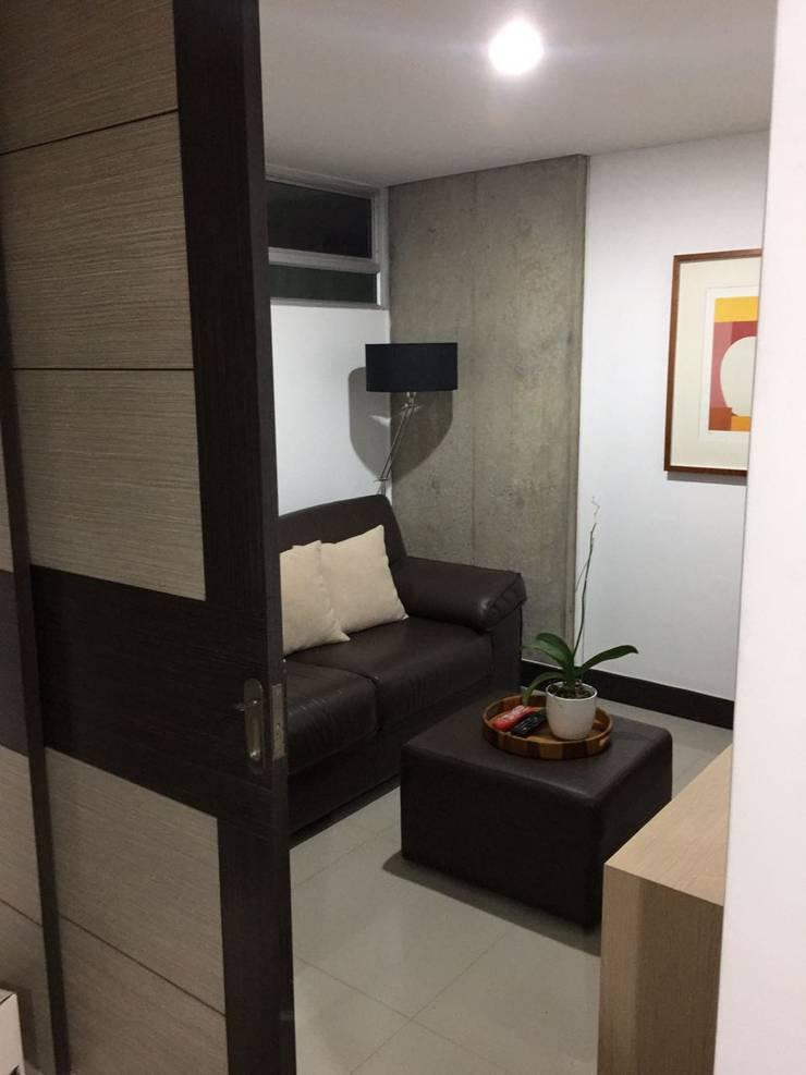 Habitación auxiliar o estudio si se prefiere!: Habitaciones de estilo  por CH Proyectos Inmobiliarios