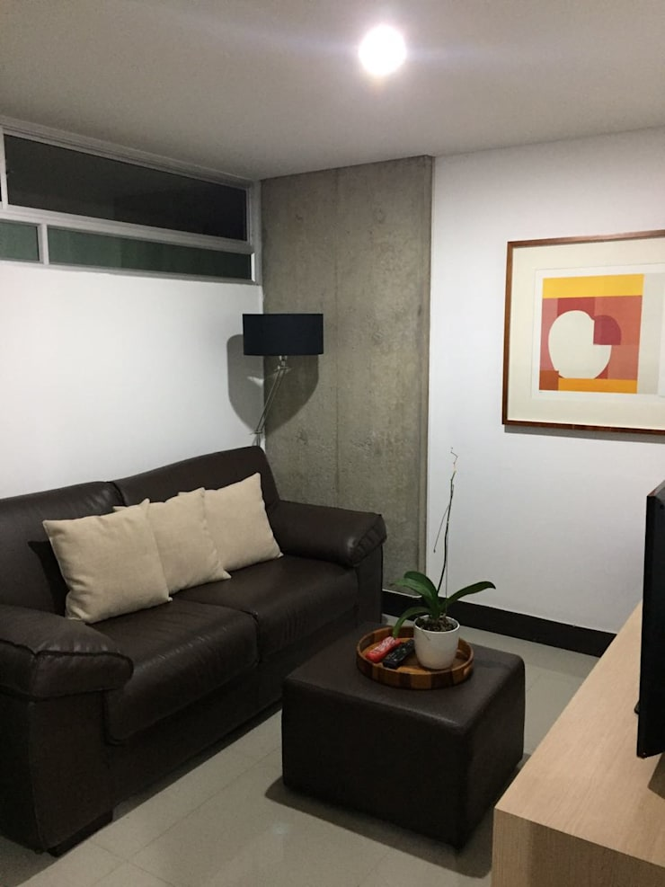 Espacio de la habitacion auxiliar o estudio.: Estudios y despachos de estilo  por CH Proyectos Inmobiliarios
