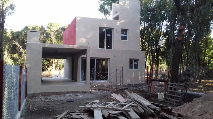 Casa MT: Casas de estilo  por Arq. Gerardo Rodriguez