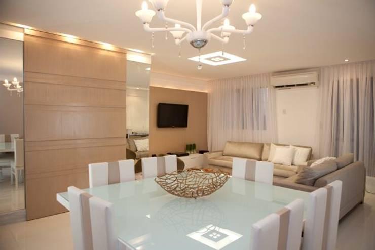 Sala de Jantar: Salas de jantar  por Studio Bossa Decoração de Interiores