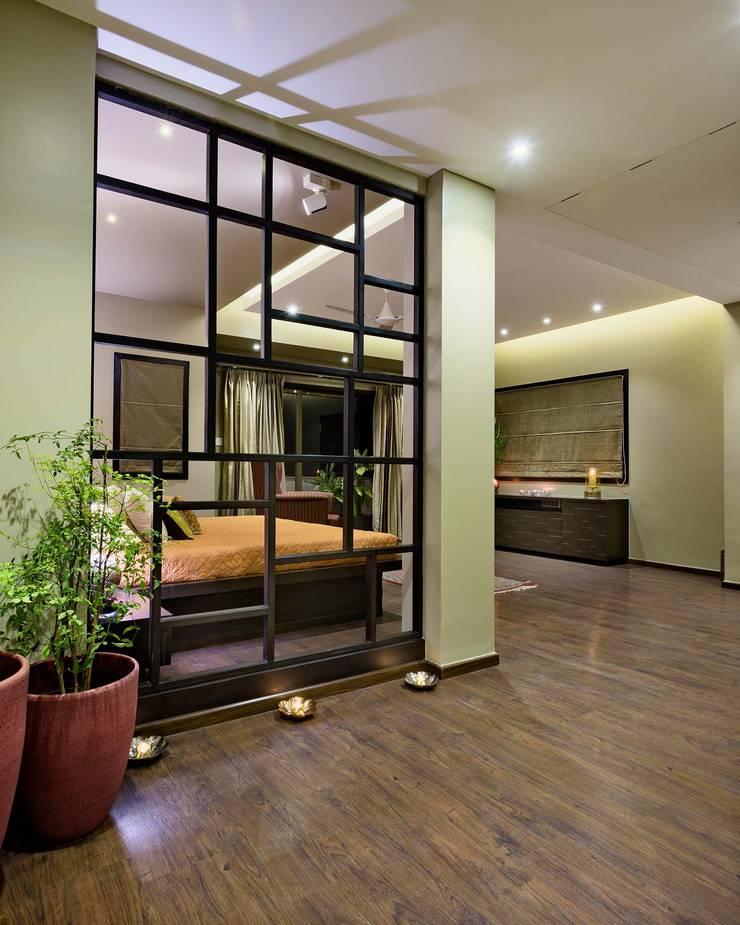Penthouse: modern Bedroom by Artistic Design Works