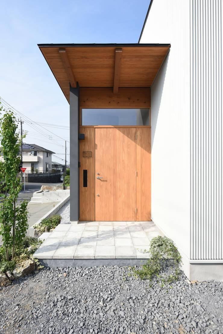 Casas de estilo  por 創右衛門一級建築士事務所, Moderno