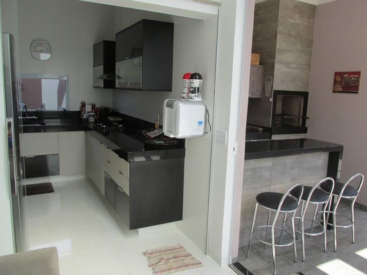Cocinas de estilo  por João Paulo Gomes Arquitetura