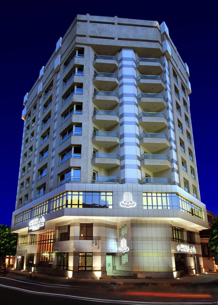 Faisal Bank Tower - Cairo من Ereibi for Engineering Design حداثي