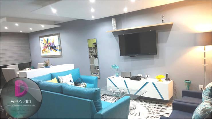 Zoi Residencial Zapopan: Salas de estilo moderno por Spazio Diseño de Interiores & Arquitectura