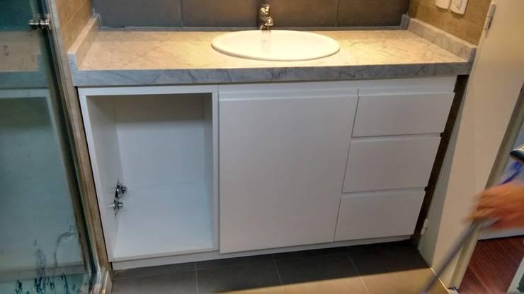 Mueble Baño:  de estilo  por BLUK interiores,Minimalista