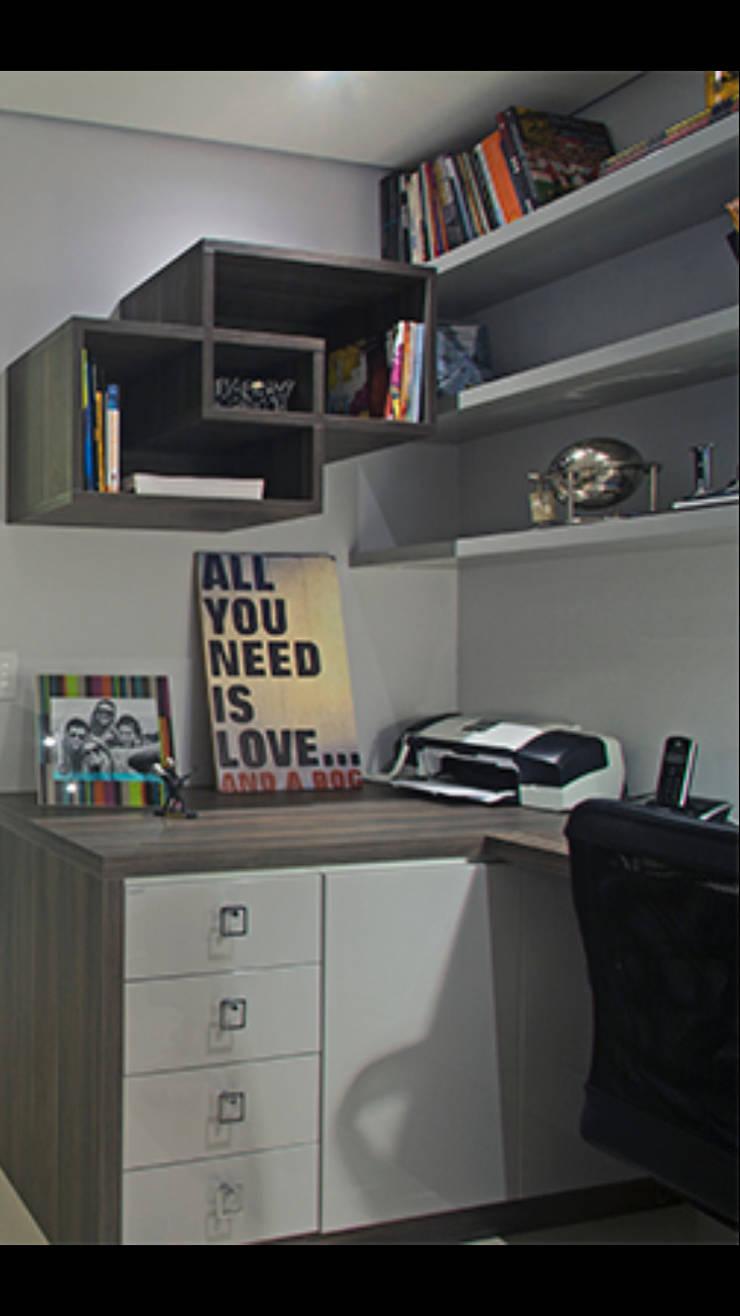 Apartamento Brooklin: Escritórios  por Nuovo Design de Interiores,