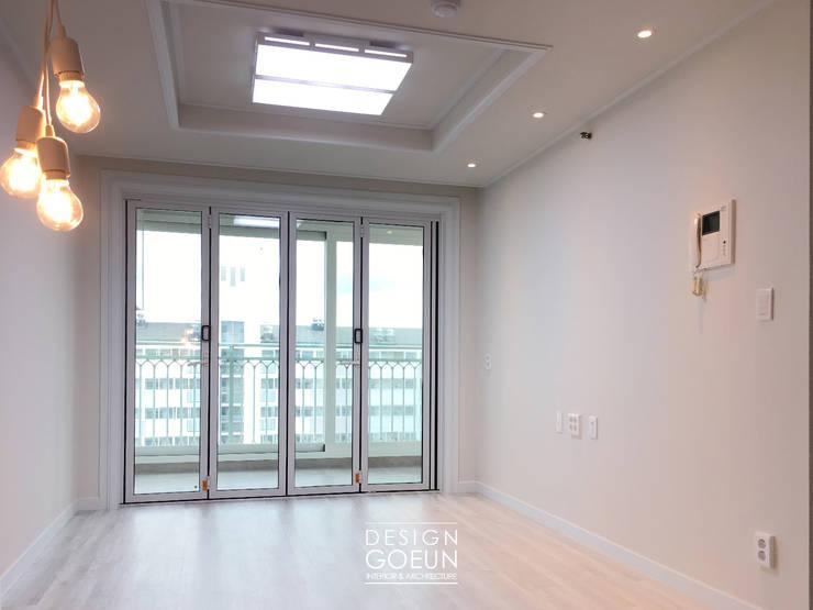 삼산 미래타운 2차 21PT 리모델링: 디자인고은의  거실,