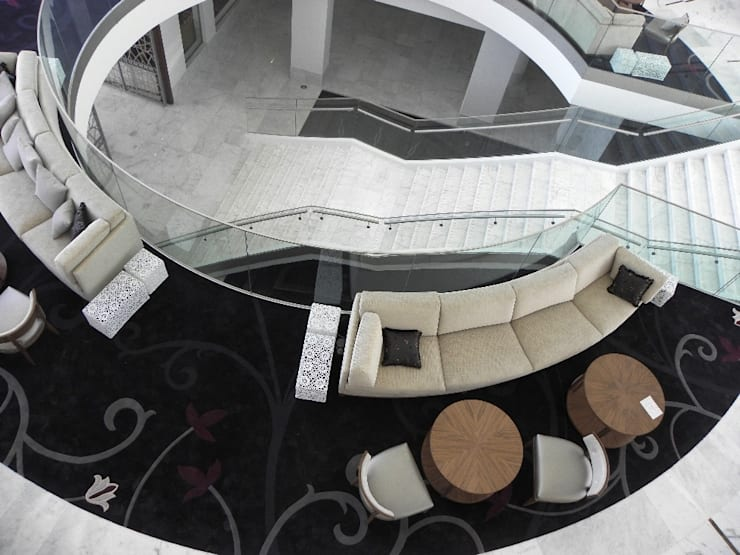 PAULO ANTUNES:  Corridor, hallway & stairs  by S. T. Unicom Pvt. Ltd.