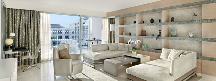 PAULO ANTUNES:  Living room by S. T. Unicom Pvt. Ltd.