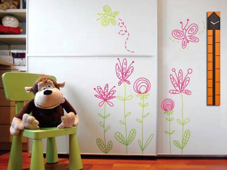 Progetti Cucumeter Dark Wood:  Nursery/kid's room by Just For Clocks