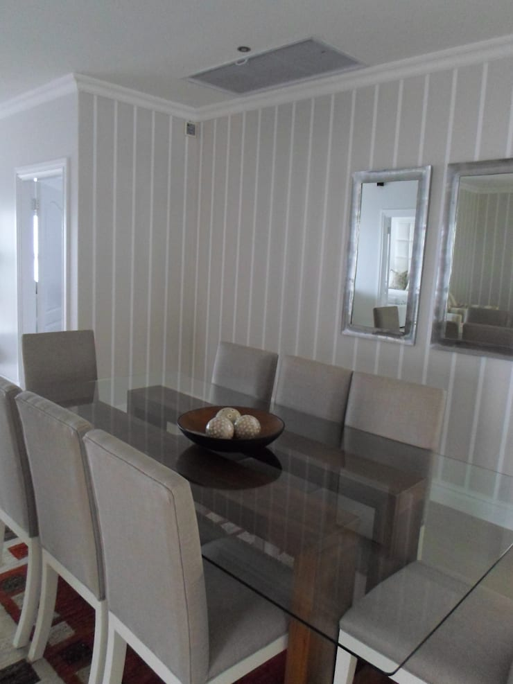 La Lucia home:  Dining room by BHD Interiors