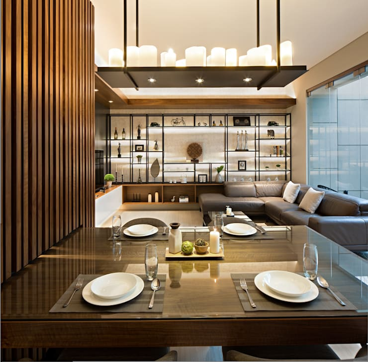 Living Room & Dining Room:  Ruang Makan by INERRE Interior