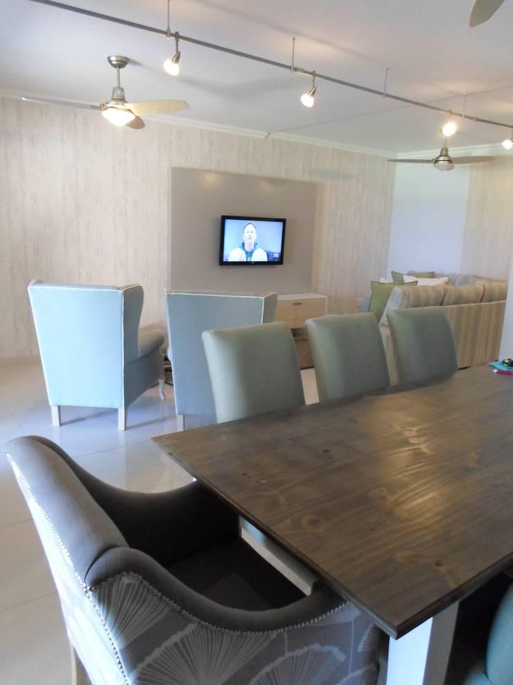 Comedores de estilo  de BHD Interiors, Moderno