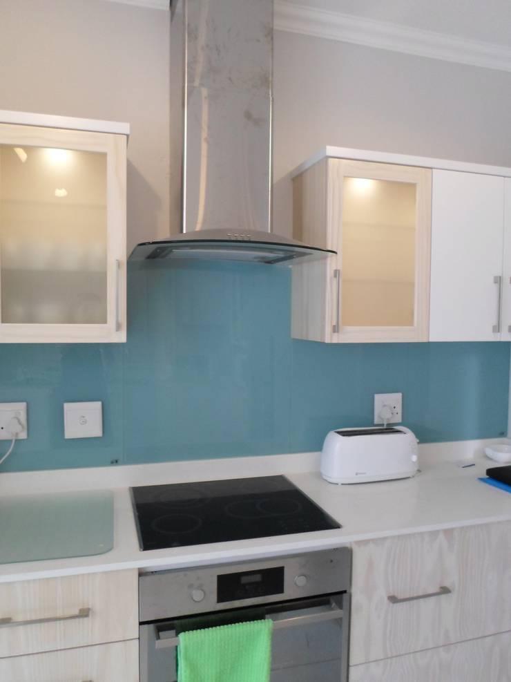 Cocinas de estilo  de BHD Interiors, Moderno