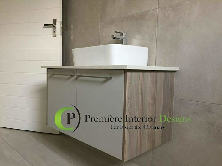 HOUSE MANKGANE:  Bathroom by Première Interior Designs