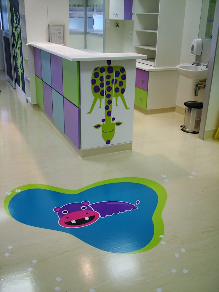 Entabeni Paeds ward, Life healthcare, Durban:  Nursery/kid's room by BHD Interiors