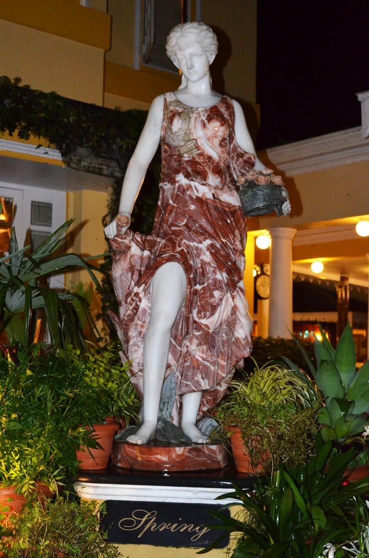 Mayfair Hotel and Resorts:  Interior landscaping by Karara Mujassme India