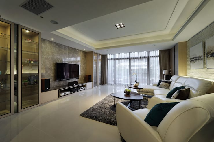 Living room by 澤序空間設計有限公司