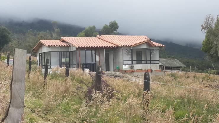 vivienda prefabricada de 83mts  :  de estilo  por Casas Prefabricadas