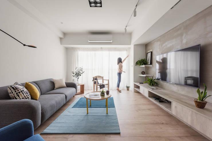 北歐20°:  客廳 by 寓子設計
