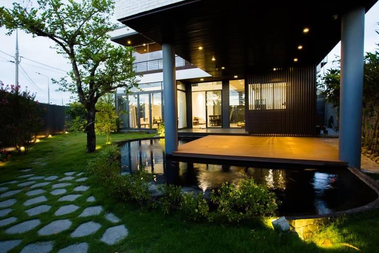 Villa by Công ty trách nhiệm hữu hạn ANP