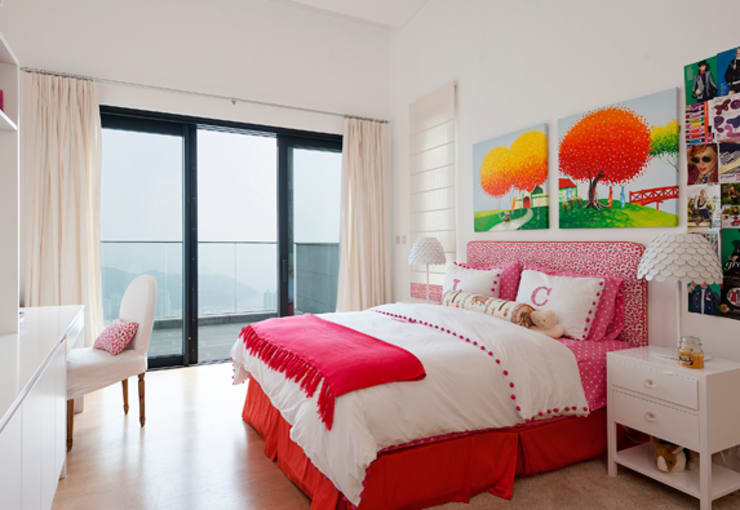 Daughter's Bedroom:  Bedroom by Nicole Cromwell Interior Design