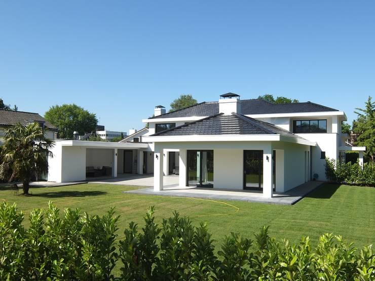 Villa Miami:  Villa door Archivolt Architectuur Studio