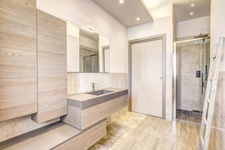 moderne Badezimmer von Studio Guerra Sas