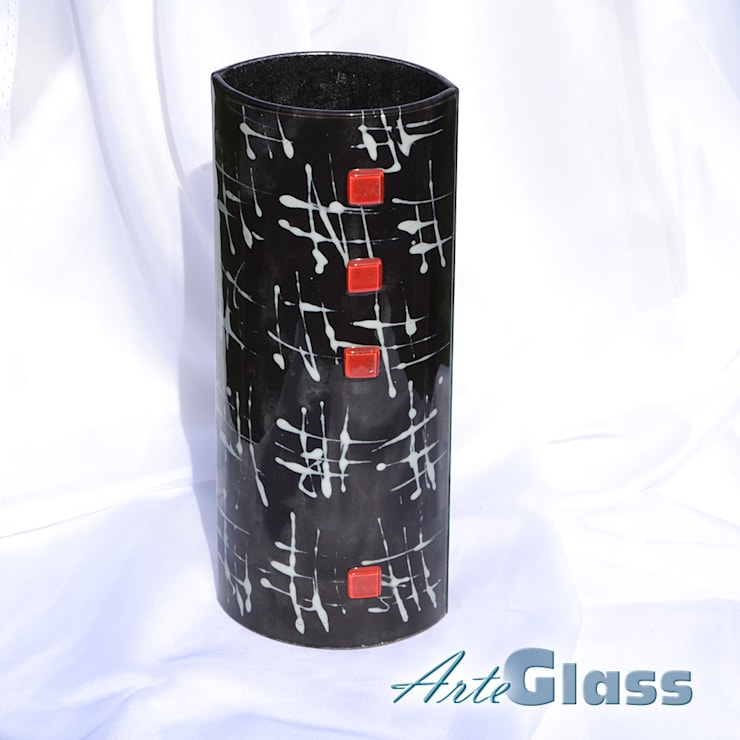 Vase black white 30 cm rounded:  Living room by ArteGlass