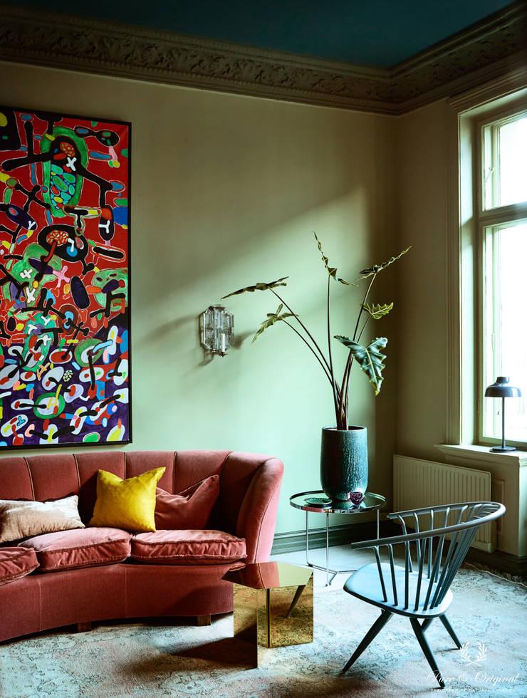 Woonkamer met krijtverf in de kleuren Landscape, Belgian Wilderness en Steel Blue; en Traditional Paint lak Landscape:  Woonkamer door Pure & Original, Modern