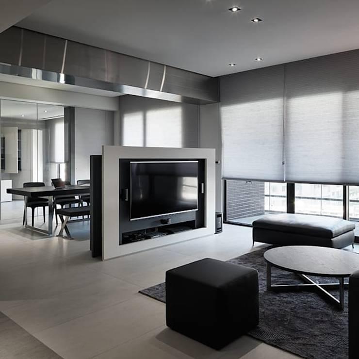 5 mẹo trang trí không gian nhà bạn chỉ với màu đen:   by Quynh Ngoc Nguyen