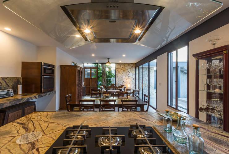 Cocina: Cocinas de estilo  por Cetina y Ancona Arquitectos