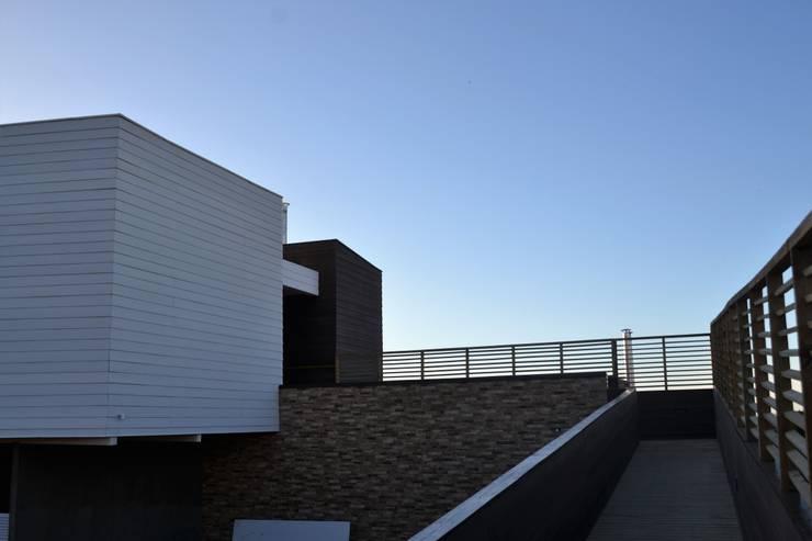 Casa Muelle: Casas de estilo  por Casas Metal