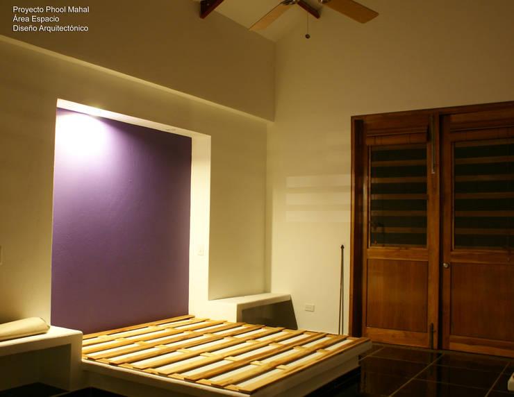 Phool Mahal: Casas campestres de estilo  por Daniel Castro Industrial + Interior design