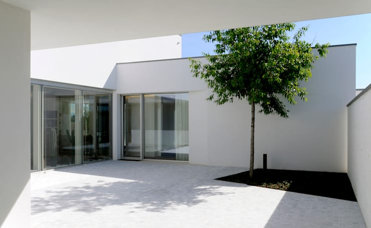 Konservasi by Studio di Architettura e Ingegneria Santi