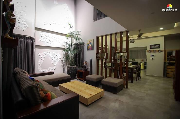 RESIDENCE: modern Living room by Rubenius