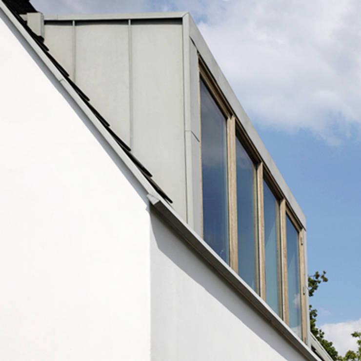 別墅 by Archstudio Architecten | Villa's en interieur, 現代風