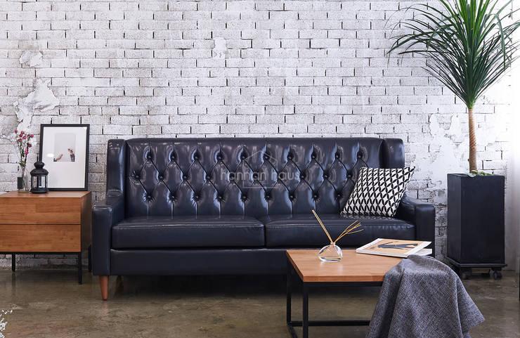 Smukke(스무크) PU sofa: 한나하우스의  거실